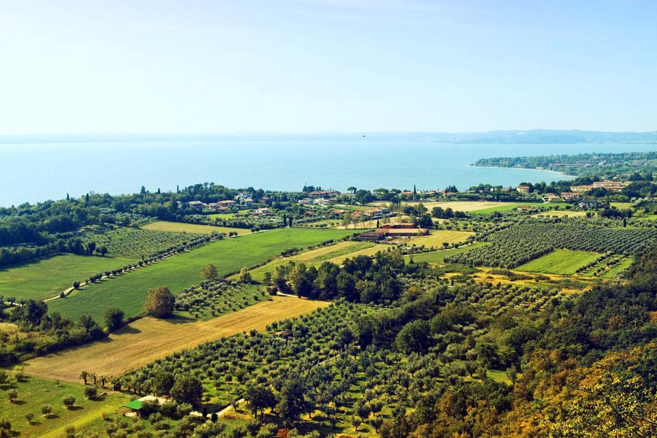 Il lago d'Iseo e la Franciacorta , Vista del Lago d'Iseo , Italia