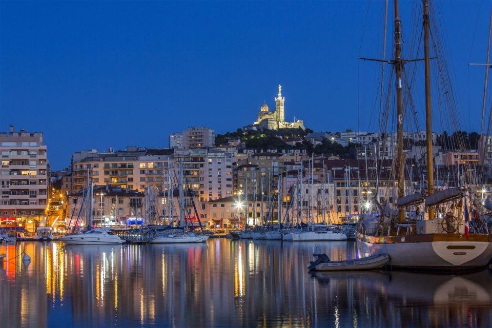 Notre Dame de la Garde bei Nacht, Notre-Dame de la Garde, Die Monumente, Provence-Côte-d'Azur