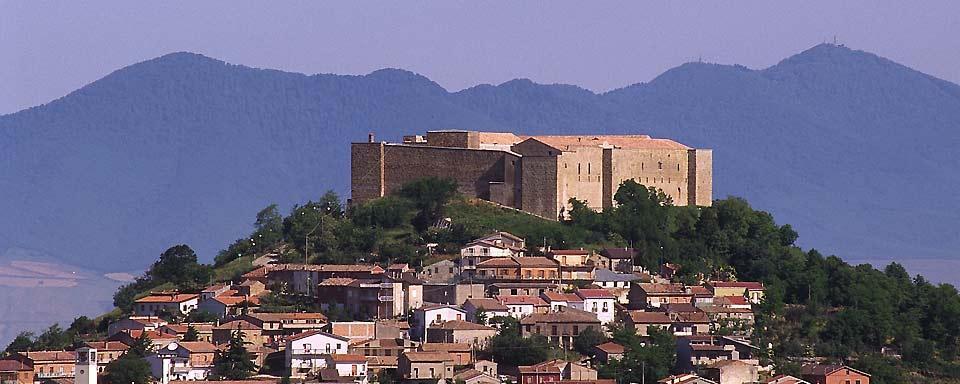 El castillo de Lagopesole, Basilicata