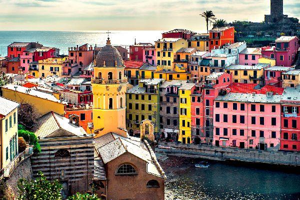Le Cinque Terre , La suggestiva Vernazza , Italia