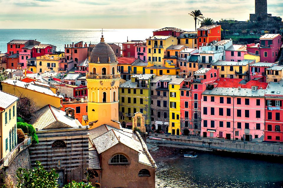 The 'Cinque Terre' region , The spectacular Vernazza , Italy