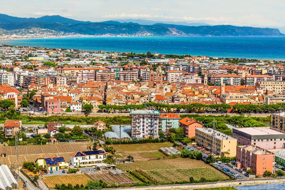 La Rivera de Ponente , Italia