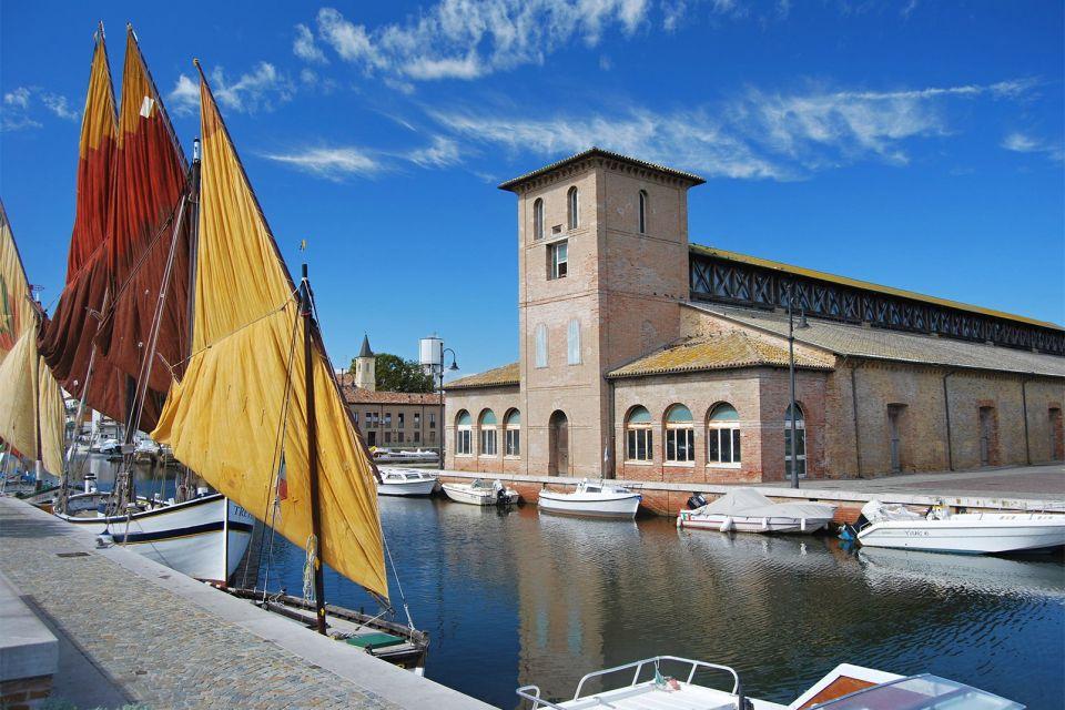 La Riviera Romagnola , Porto peschereccio , Italia