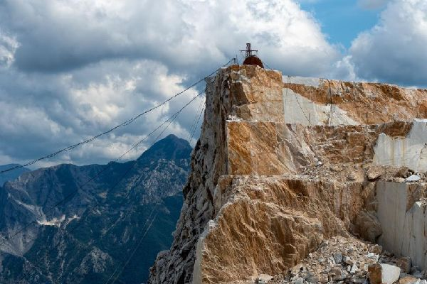 Le Marbre et les Alpes Apuanes , The Apuan Alps, Tuscany , Italy