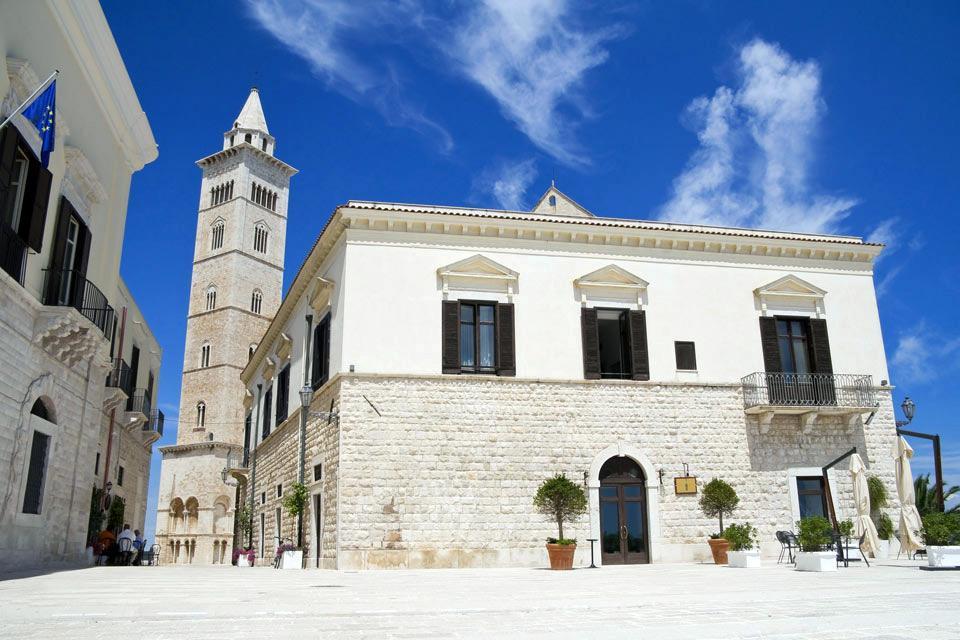 Die Kathedrale von Trani , Glockenturm , Italien