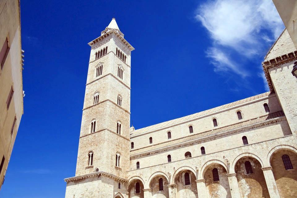 Die Kathedrale von Trani , Querschiff der Kathedrale von Trani , Italien