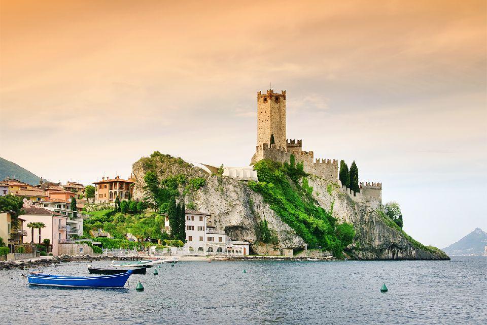 El lago de Garda , Italia