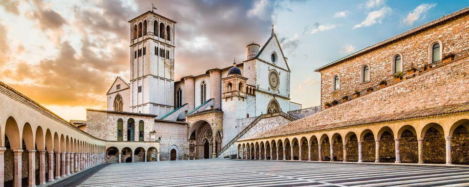 la basilique de fran 231 ois d assise ombrie italie