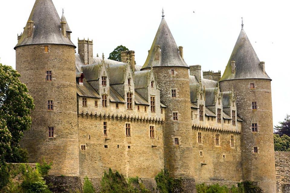 El castillo de Josselin , Castillo de Josselin y Museo de Muñecas , Francia