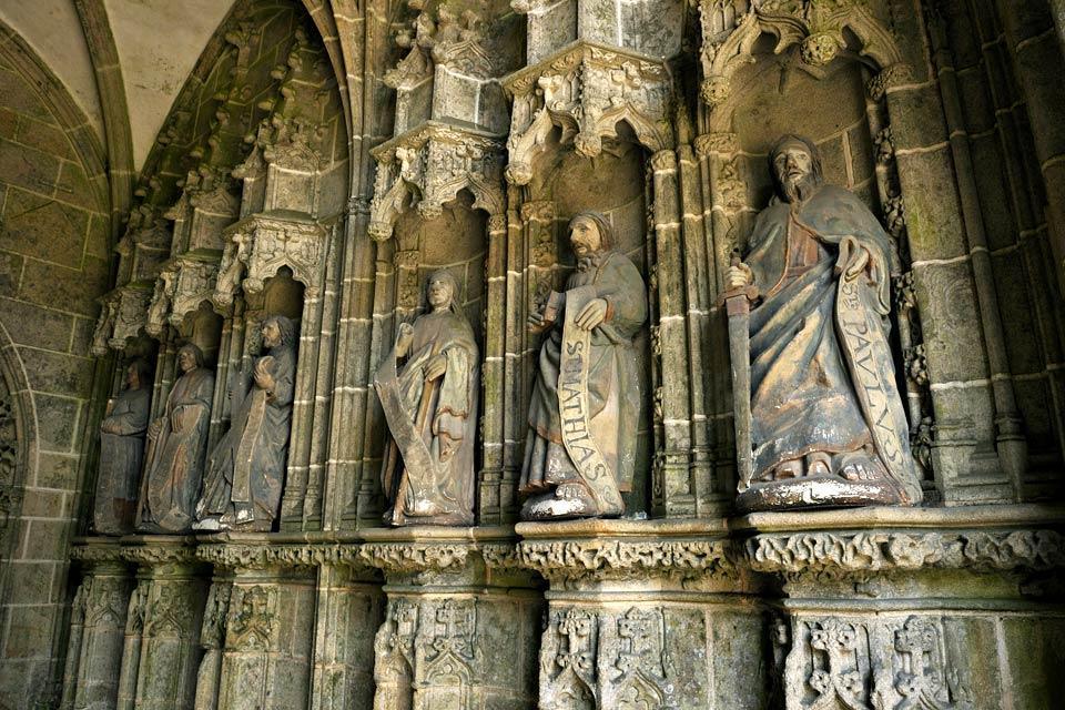 La iglesia de Kernascléden , Fachada de la iglesia de Kernascléden , Francia
