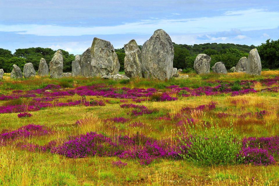 El alineamiento de Carnac , El turismo de masas perjudica a los menhires , Francia