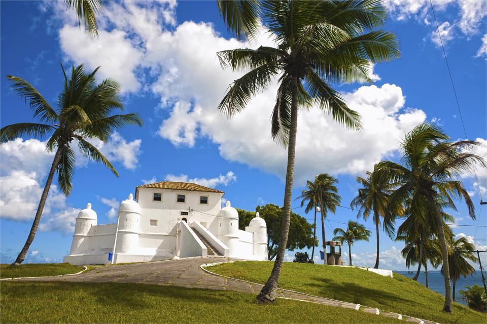 La baia di tutti i Santi , Uno dei quattro forti di Salvador de Bahia , Brasile