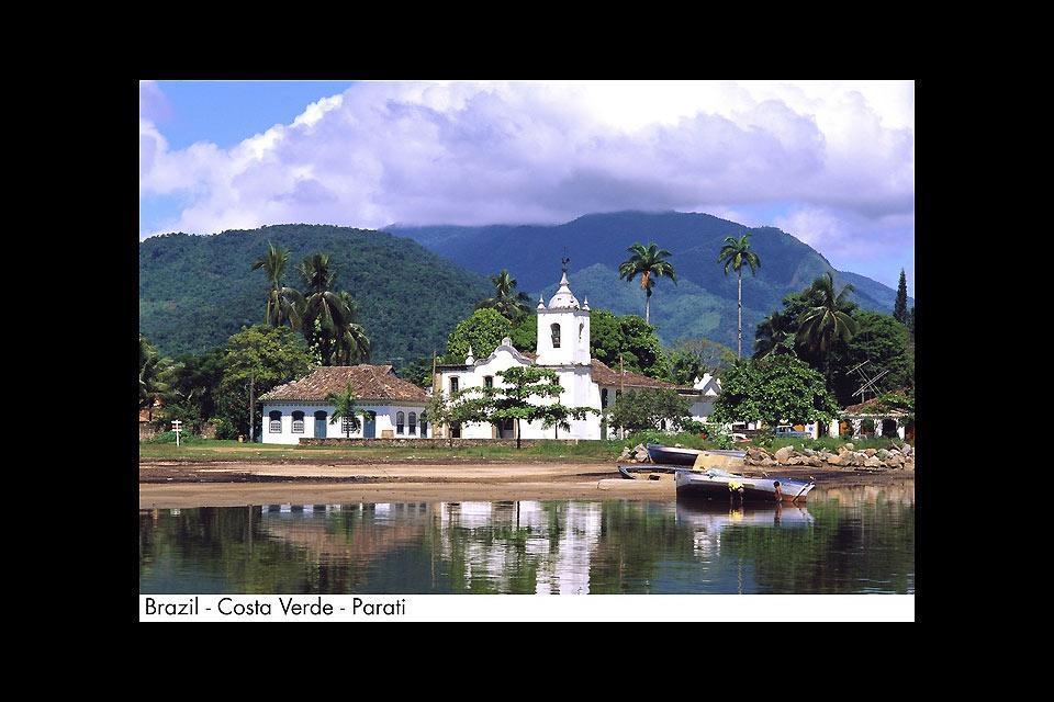 La Costa Verde , La baie d'Angra dos Reis , Brésil