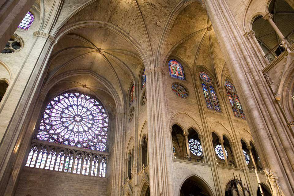 A chimera of Notre Dame watches over Paris, Notre-Dame de Paris Cathedral, Monuments, Paris, Ile de France