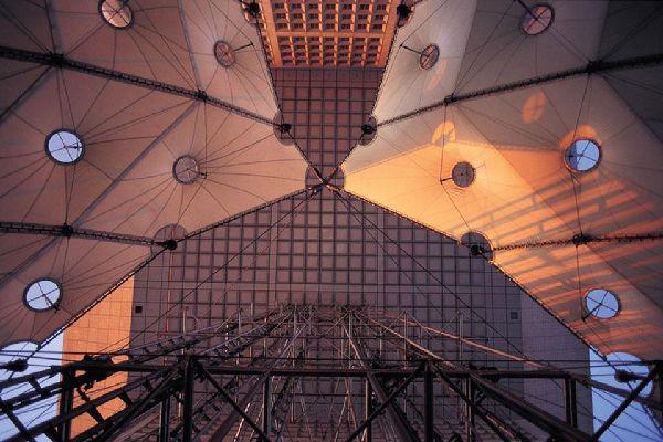 La Grande Arche e il quartiere La Défense , Architettura o poesia? , Francia