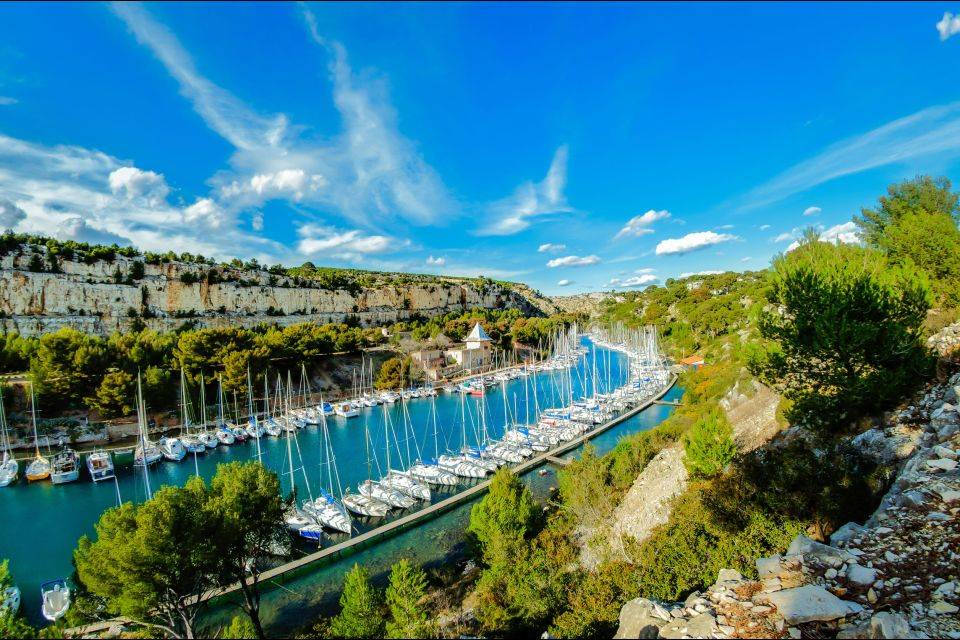 Les côtes, calanque cassis marseille mer méditerranée bouches-du-phone PACA France Provence port-miou port.