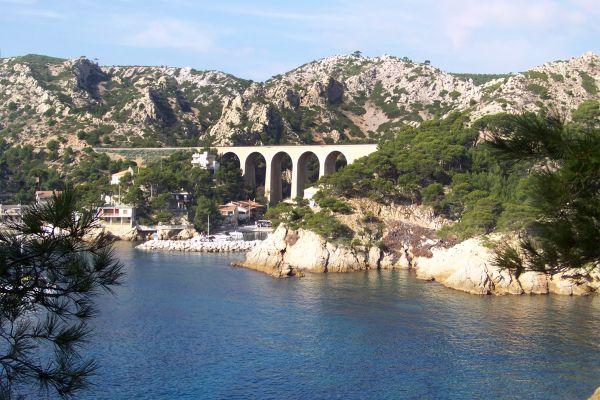 La costa Azul a lo largo, La costa Azul, Las costas, Provence-Alpes-Côte d'Azur