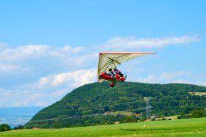 Les activités et les loisirs, ULM Provence Alpes Côte d'Azur France Europe Verdure montagne