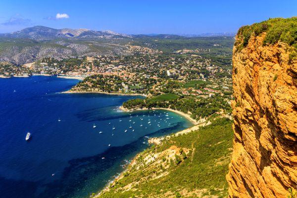 La isla Maire al sur de Marsella, Paseo en barco por las calas, Las actividades de ocio, Provence-Alpes-Côte d'Azur