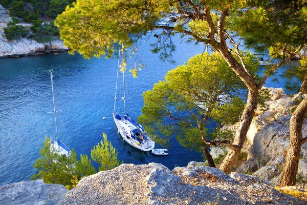 Las calas con sus recortados relieves, Paseo en barco por las calas, Las actividades de ocio, Provence-Alpes-Côte d'Azur