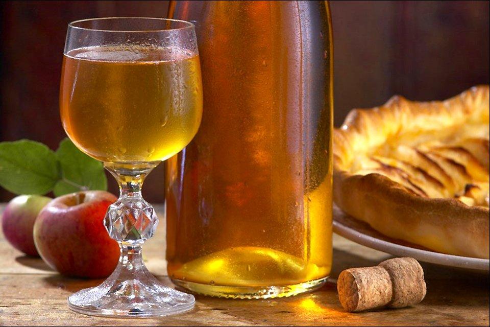 Las manzanas de Bretaña, Cerveza, sidra y chouchen, Gastronomía, Bretaña