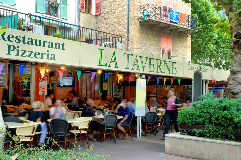 La Taverne, Ir de marcha, Provence-Alpes-Côte d'Azur