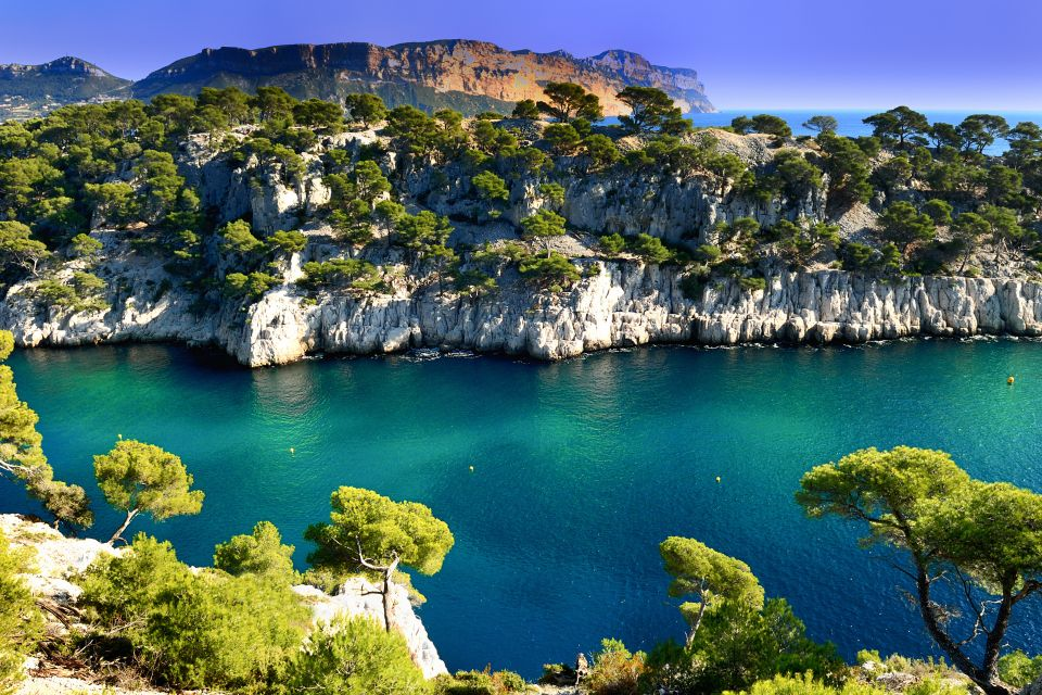 Bring durable footwear, Hiking, Sports and activties, Provence-Alpes-Côte d'Azur