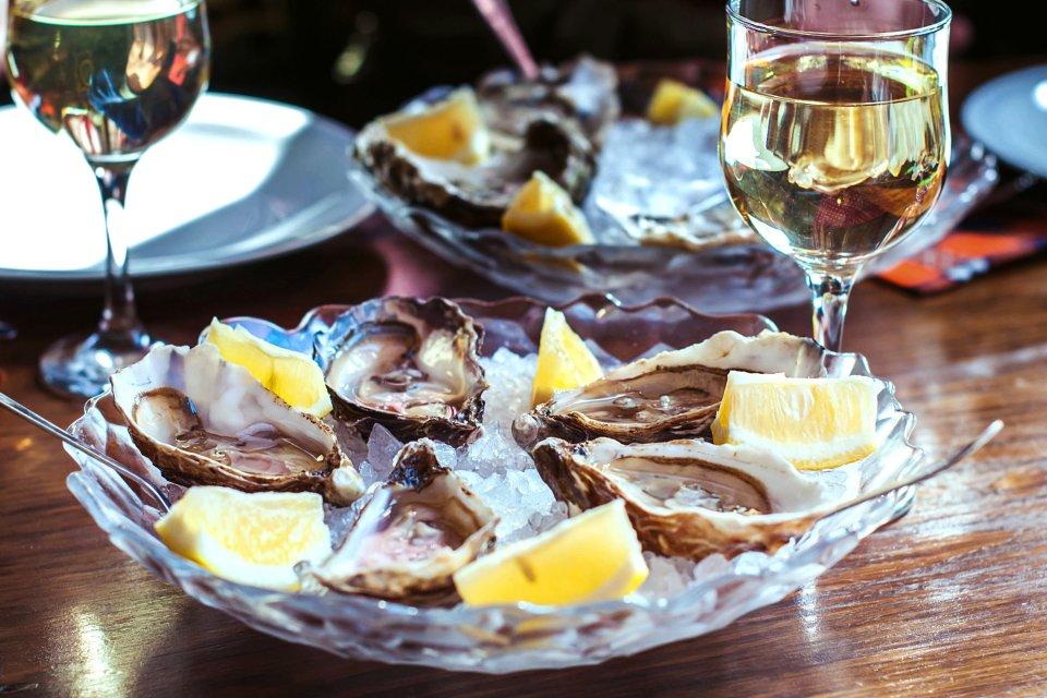 La gastronomie, alcool, vin, blanc, alimentation, boisson, agriculture, france, europe, pays de la loire, huitre, coquillage