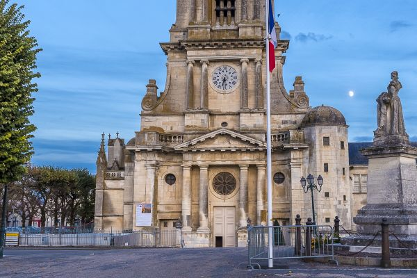 Our Lady of the Assumption, The Cathedral of Luçon, Monuments, The Loire region
