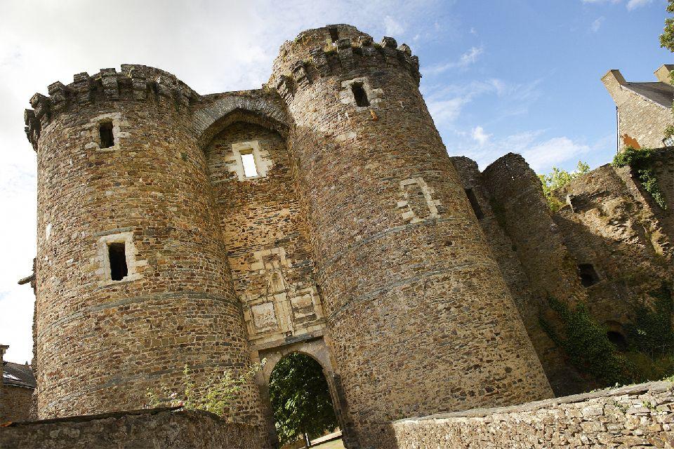 Château de Châteaubriant , Un témoin du Moyen Âge , France