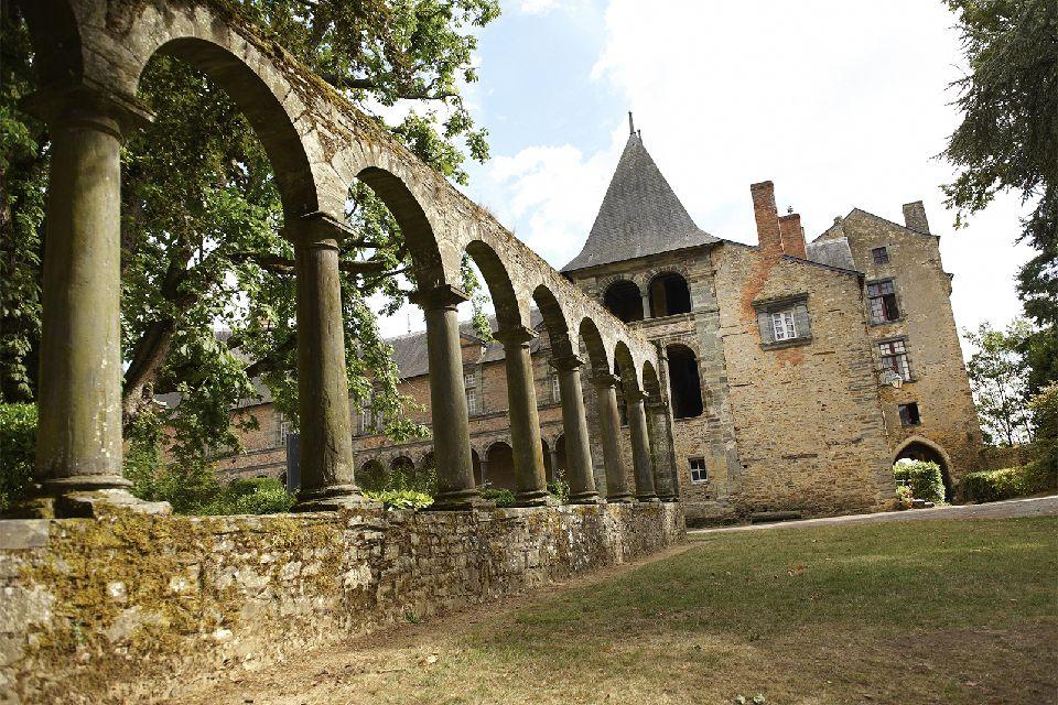Château de Châteaubriant , Deux périodes architecturales , France