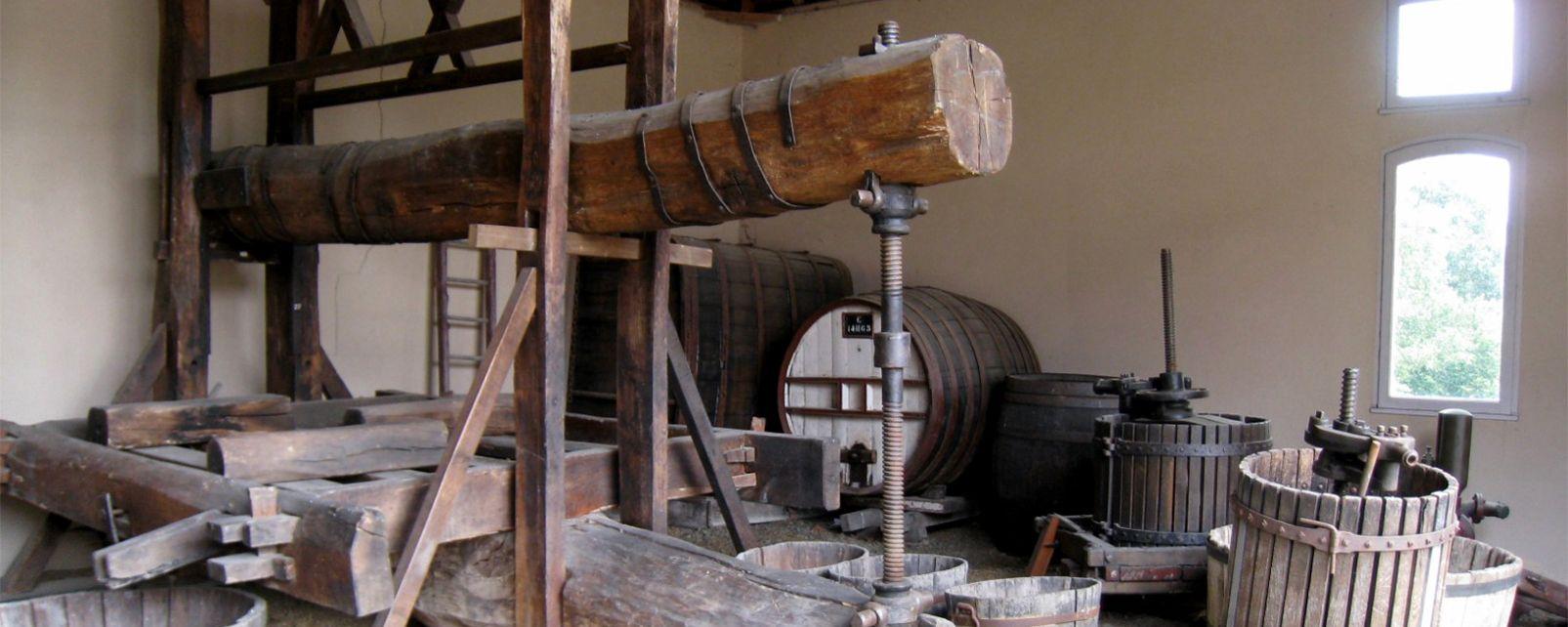 La tonnellerie au mus�e de la vigne d'Anjou
