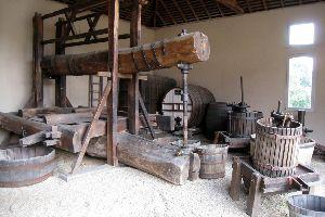 Musée de la vigne et du vin d'Anjou , La tonnellerie au musée de la vigne d'Anjou , France