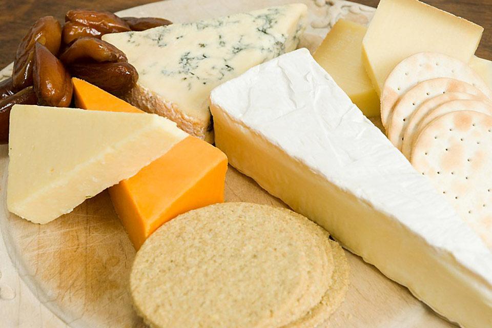 Il Brie di Meaux , Piatto di formaggi , Francia