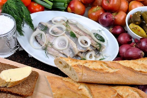 Herring , Herring with onions , France