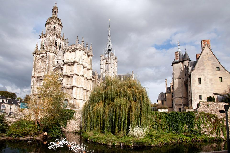 La Catedral de Notre-Dame de Evreux , Mezcla de estilos , Francia