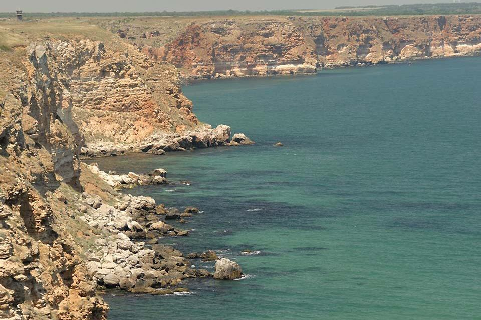 Die Felsenküste , Meer an der Felsenküste , Bulgarien