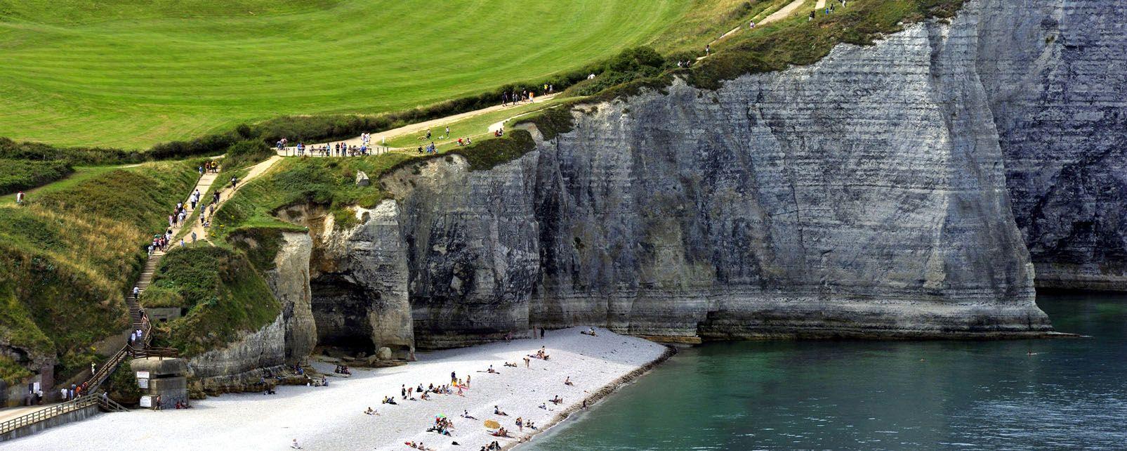 Les falaises d'Etretat , France
