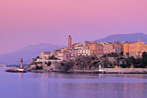 Die Zitadelle von Bastia , Die Zitadelle von Bastia bei Sonnenaufgang , Frankreich