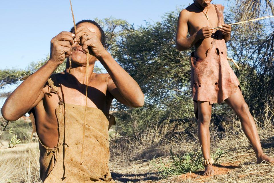 Les arts et la culture, afrique, afrique du sud, bush, bushman, désert, ethnie, chasse, chasseur