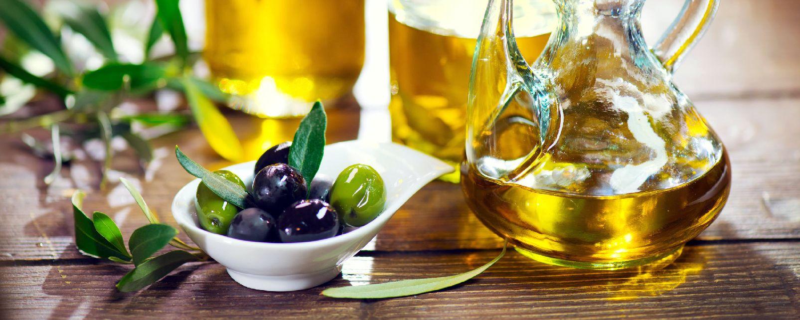 El aceite de oliva DOC de Nimes , La Picholine de Nimes , Francia