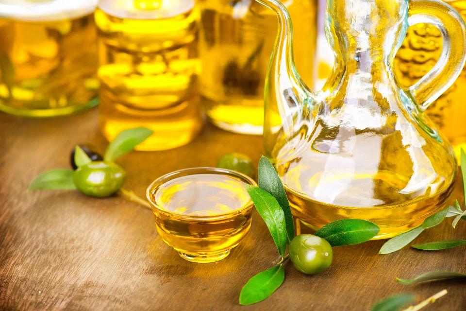 Nîmes AOC olive oil , The green fruit of Nîmes , France