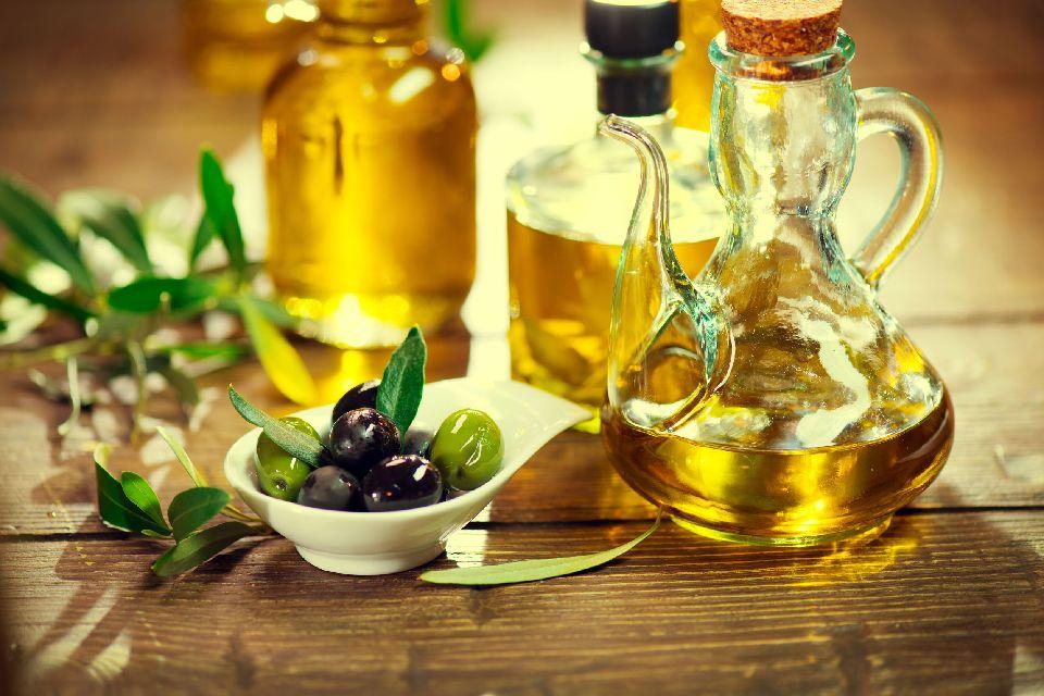 Nîmes AOC olive oil , The Picholine olive of Nîmes , France