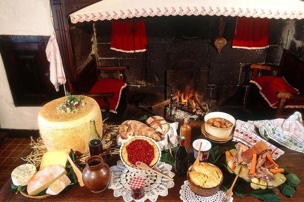 Los platos de la región , Auvernia posee una rica gastronomía típica , Francia