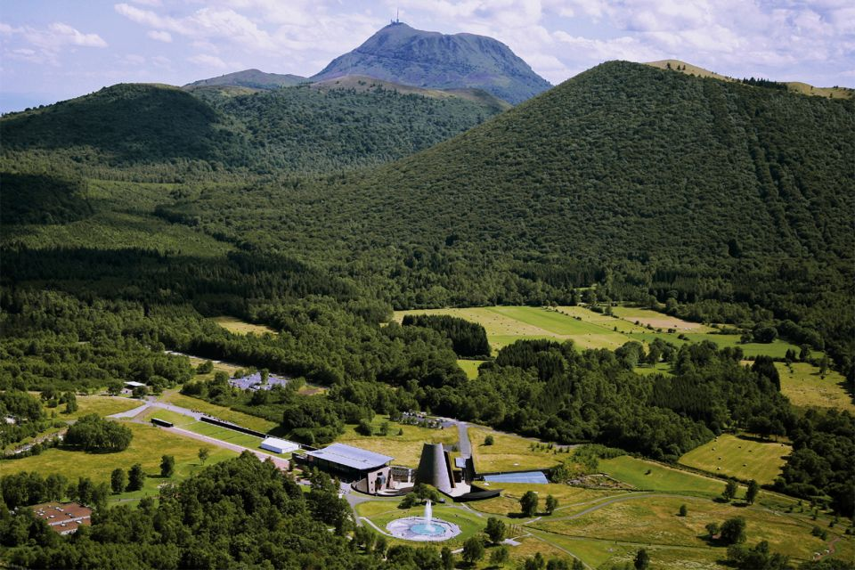 Europe, France, Auvergne, Vulcania, centre européen du volcanisme, parc des volcans d'Auvergne,