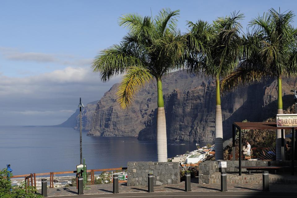 Tenerife , Los Gigantes , Des plages de sable noir , Espagne