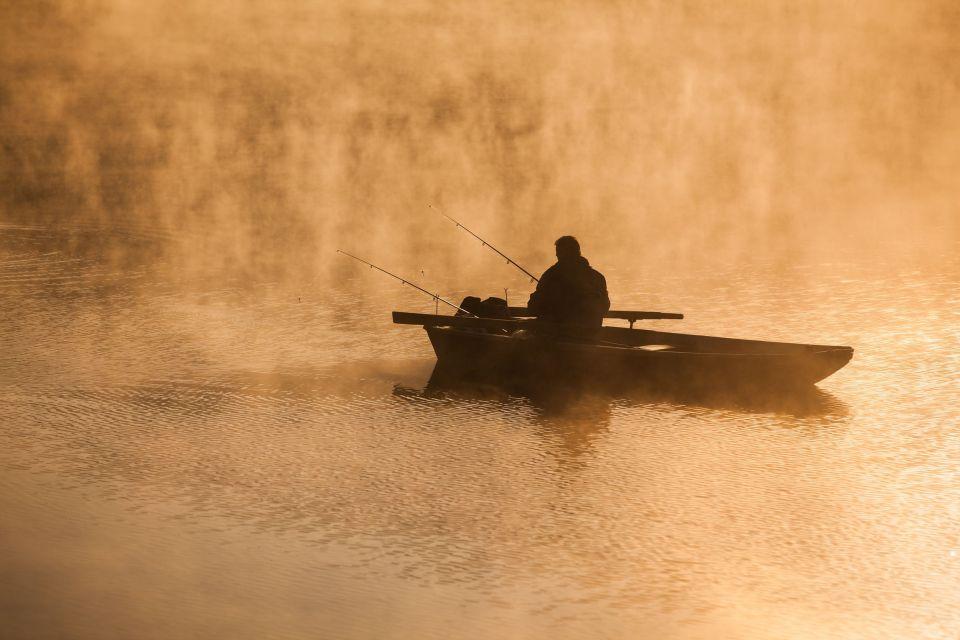 La pesca , Los lagos de Auvernia , Francia