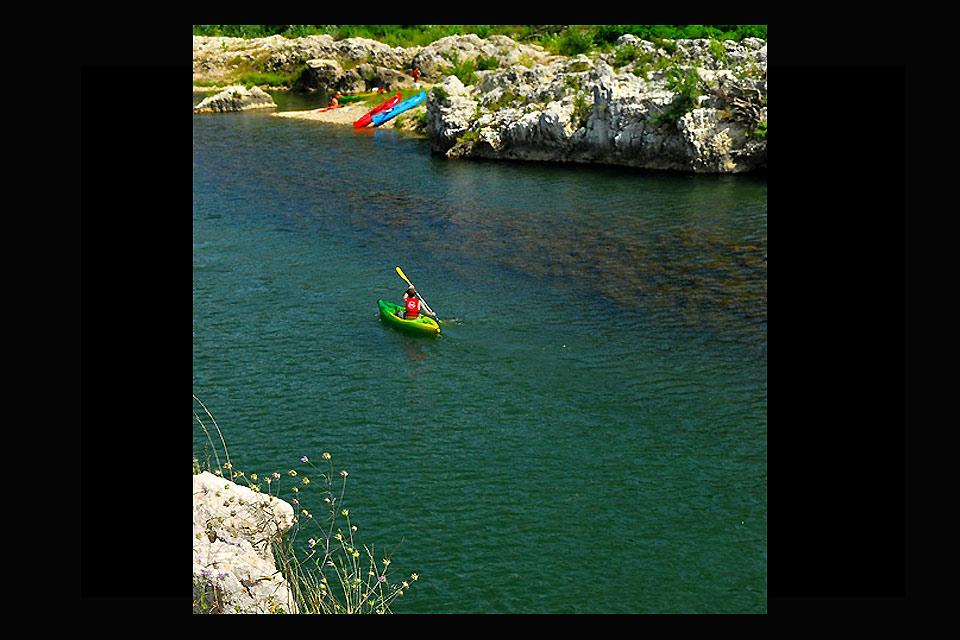 Canoa-kayak y los deportes de agua viva , Prácticas de kayak en Lozère , Francia