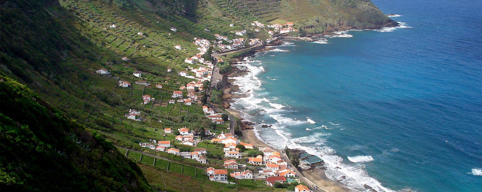 Die Bucht von Sao Lorenzo (auf Santa Maria) , Portugal