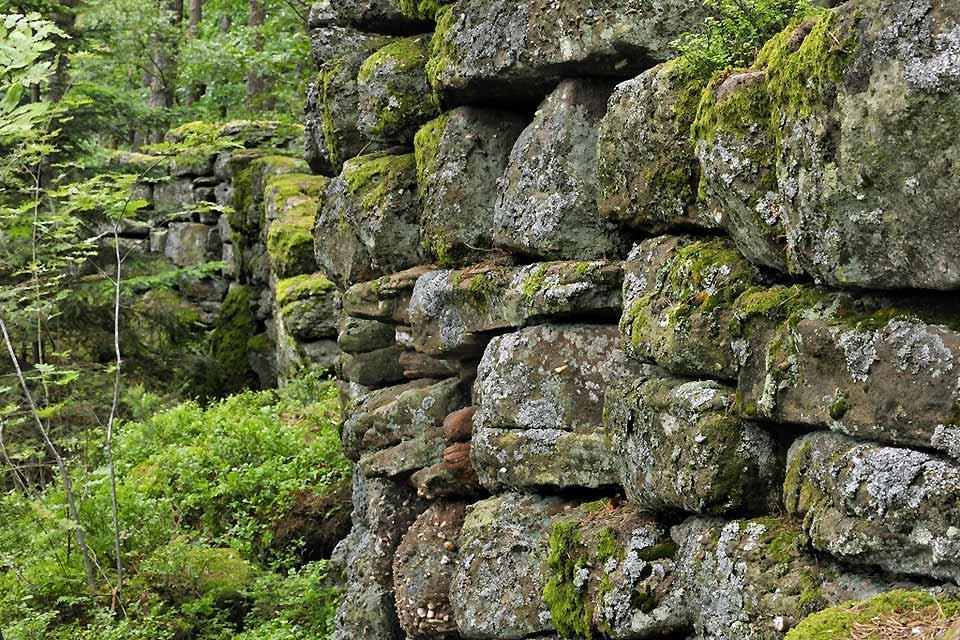 Le Mur Païen , Un lieu magique , France